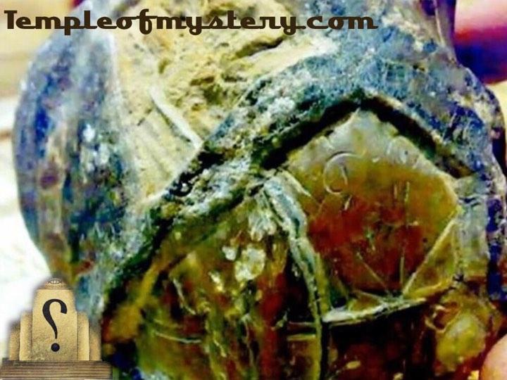 إكتشاف حجر قديم في إندونيسيا يصور خريطة نظام شمسي لكائنات خارجية